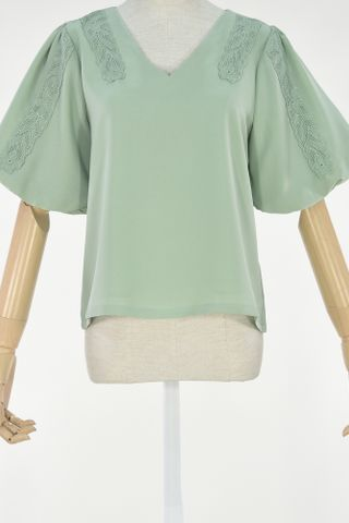 PUFFY SLEEVE LATTICE OVERLAY TOP